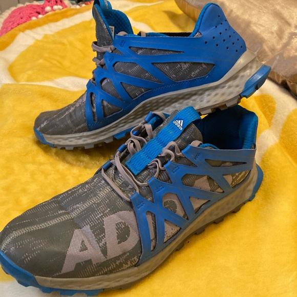Men's sz 13 Adidas Vigor gently worn